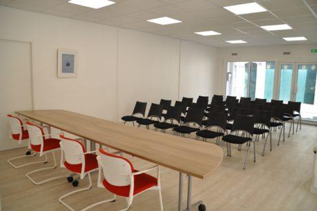 Salle de conférence rouge Angers